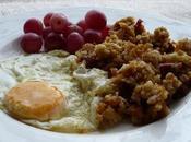 Cómo hacer unas buenas migas chorizo, uvas huevo frito