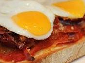 Tosta Pisto Extremeño, jamón, queso Roncal huevo codorniz.
