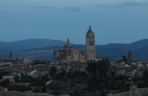 Atardecer en Segovia desde las afueras de la ciudad.