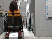 escaleras Maestro Clavé Coruña, habían anunciado como universales, vetadas para sillas ruedas bastón