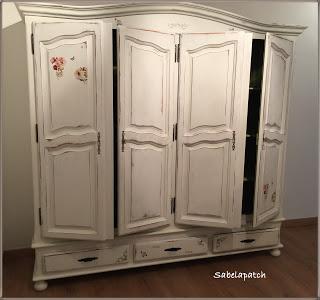 El nombre de emma y un armario restaurado paperblog for Roperos antiguos restaurados