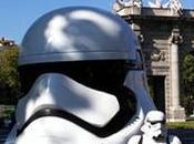 """cascos Star Wars """"invaden"""" Madrid."""
