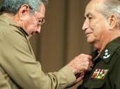 Raúl Castro presidió acto conmemoración independencia #Angola