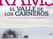 Rams valle carneros). nieve cala película.