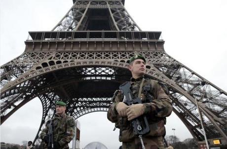 Atentados Terroristas en Francia: Más de un centenar de muertos en varios ataques simultáneos en París