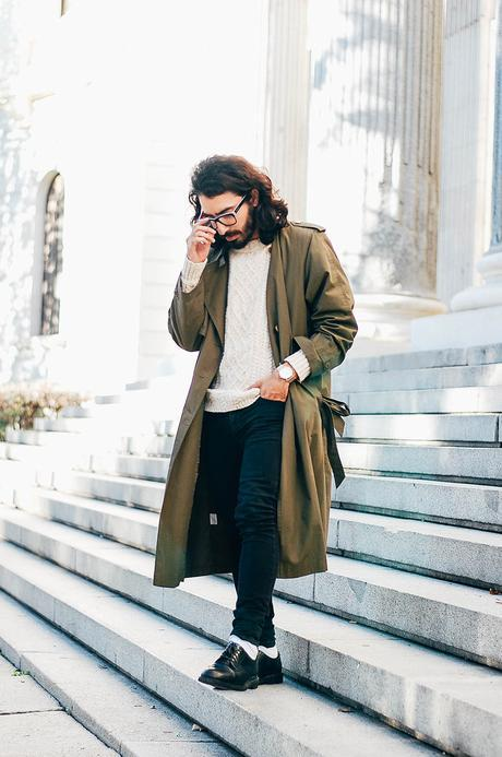 glamournarcotico-Im-the-one-who-drives-for-you-at-night-outfit-shore-projects-clock-vitnage-coat-menswear-fashionblogger-street-style-charlie-cole (10)