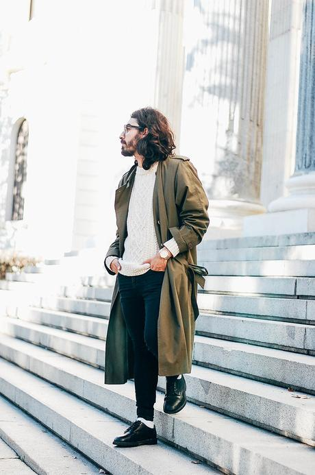 glamournarcotico-Im-the-one-who-drives-for-you-at-night-outfit-shore-projects-clock-vitnage-coat-menswear-fashionblogger-street-style-charlie-cole (9)