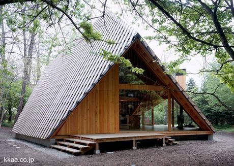 Caba a moderna de madera dise o innovador paperblog for Disenos de cabanas