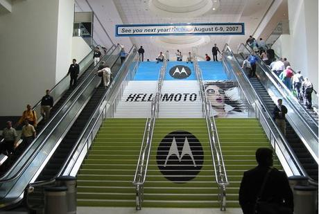28 ejemplos creativos de publicidad en escaleras