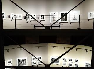 Movida, Ilustración, Fotografía y Publicidad en dos exposiciones imprescindibles que puedes visitar en Madrid a pocos metros de distancia