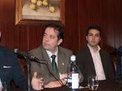 Javier castaño recoge premio como autor mejor faena feria taurina priego edición 2015