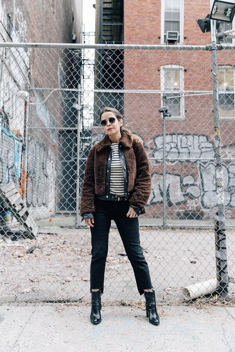 Soho-NY-Faux_Fur_Jacket-Sandro-Levis-Ladies_in_Levis-Outfit-Striped-Top-Outfit-Street_Style-5
