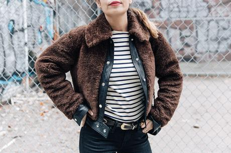 Soho-NY-Faux_Fur_Jacket-Sandro-Levis-Ladies_in_Levis-Outfit-Striped-Top-Outfit-Street_Style-58