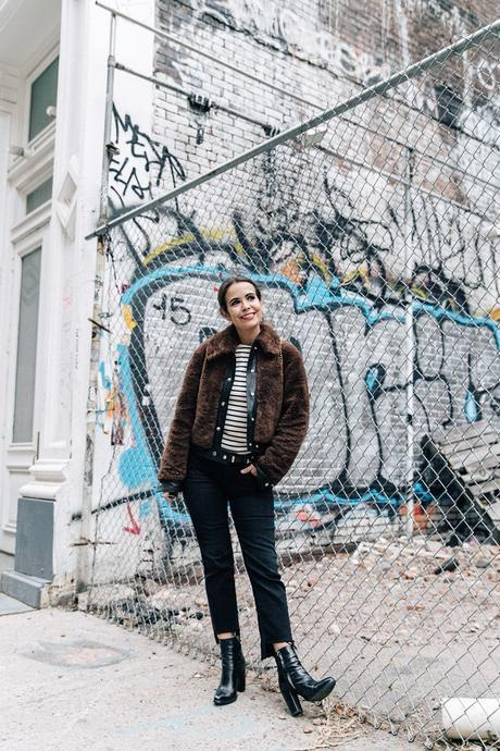 Soho-NY-Faux_Fur_Jacket-Sandro-Levis-Ladies_in_Levis-Outfit-Striped-Top-Outfit-Street_Style-50