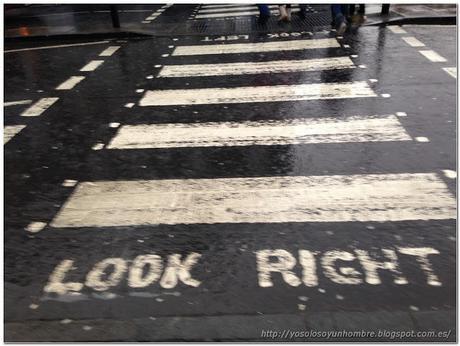 ¡¡cuidado!! los coches viene a traición. Be careful!