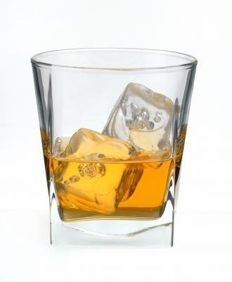 Botellón L@C - Abierto 24h - Página 3 El-alcohol-copita-verguenza-L-Th7bE1