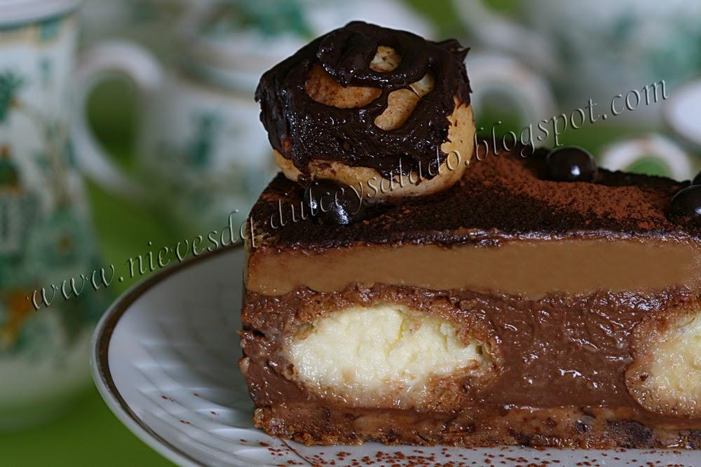 TARTA DE CHOCOLATE Y CAPUCHINO CON PROFITEROLES
