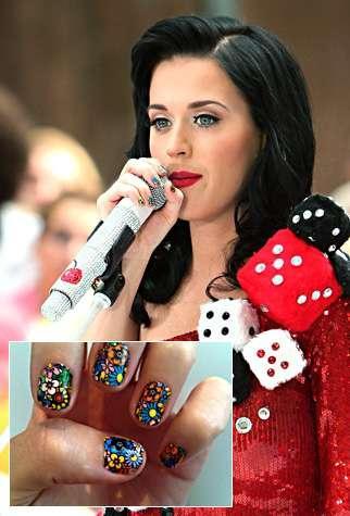 Katy Perry adora las uñas decoradas. ¿Te atreves a imitarla?
