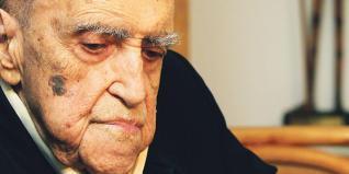 Oscar Niemeyer, en septiembre, durante la presentación del séptimo número de la revista «Nosso Caminho». Antonio Lacerda - lne.es