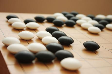 Google y Facebook buscan resolver el juego de Go