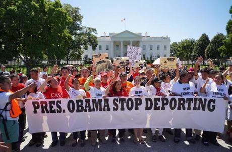 Cada año EE.UU. deporta millones de inmigrantes, mientras otro tanto logra permanecer en el país sometidos a nuevas formas de esclavitud.