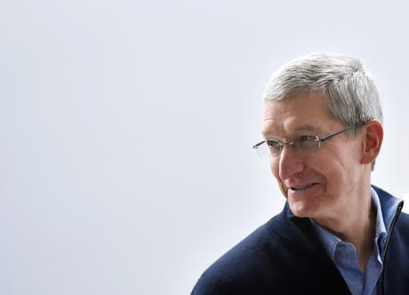Apple CEO Tim Cook speaks to members of the media at an Apple press event in San Francisco, California on March 09, 2015.  AFP PHOTO / JOSH EDELSON        (Photo credit should read Josh Edelson/AFP/Getty Images)