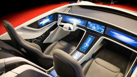 Bosch presenta un vehículo futurista lleno de pantallas para ofrecer todo tipo de información