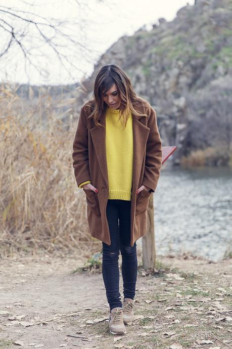 YELLOW JUMPER IN TOLEDO