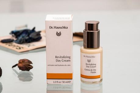 REVITALIZING DAY CREAM · DR HAUSKA
