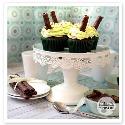 CUPCAKES DE MENTA Y CHOCOLATE / MINT AND CHOCOLATE CUPCAKES