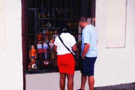 """En Cuba se """"vende"""" fe"""