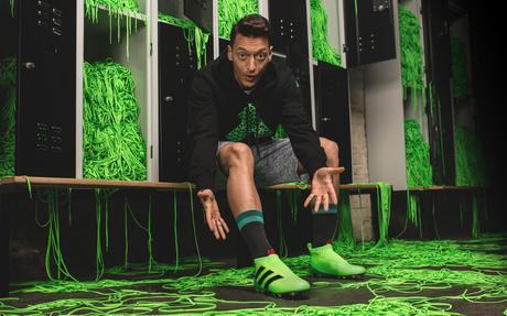 Adidas presenta sus zapatillas Ace 16+ PureControl que se producen con el mismo material de las cubiertas para Smartphone y sin correas