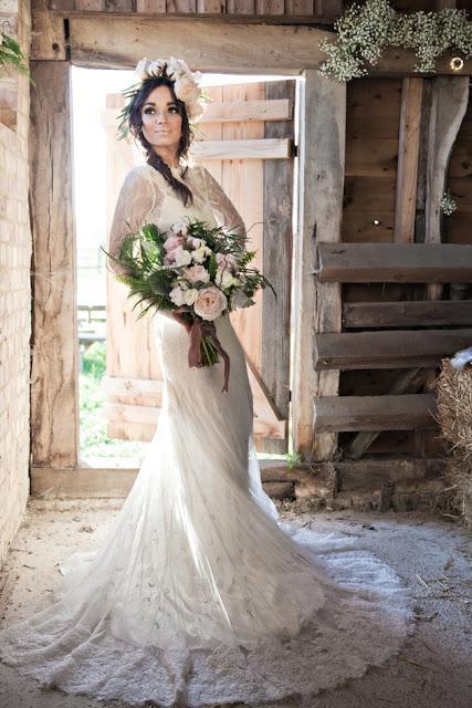 novia corona y ramo