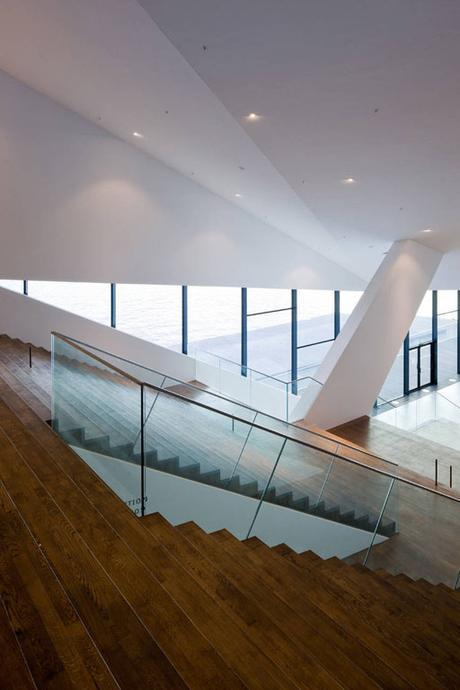 EYEFILM INSTITUTE, POR Delugan Meissl Associated Architects EN AMSTERDAM