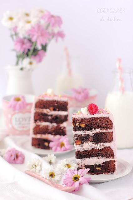 LAYER CAKE DE BROWNIE Y FRAMBUESA