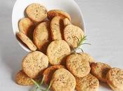 Galletas saladas queso hierbas aromáticas