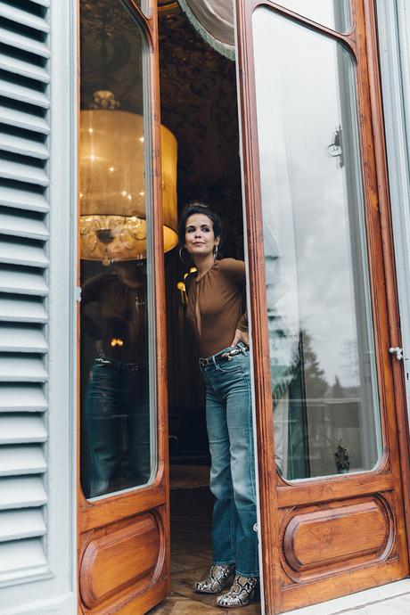 Luisa_Via_Roma-Firenze_For_Ever-Camel_Body-Reformation-Mother_Jeans-Snake_Boots-Hoop_Earrings-Outfit-Collage_Vintage-Florence-Villa_Cora_Hotel-86