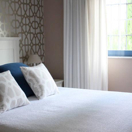 Vivienda privada en Marbella : Dormitorios de estilo clásico de Marta del Valle