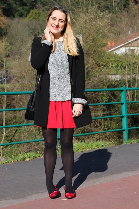 Outfit con falda roja para invierno - Paperblog