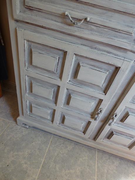Renovar un mueble castellano paperblog - Muebles pintados en plata ...