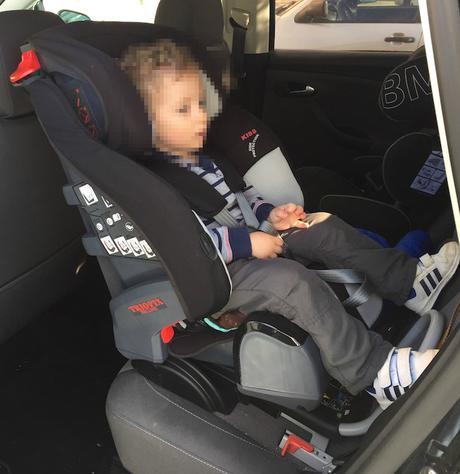 Viajar en coche en una silla a contramarcha con 3 a os y 9 for Sillas de coche ninos