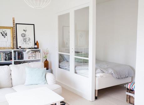 Mini apartamento en tonos pastel paperblog - Scale per appartamenti ...