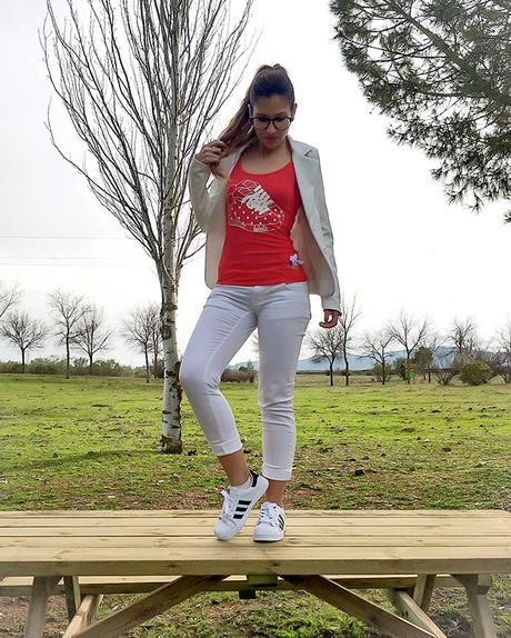 RED AND SNEAKERS