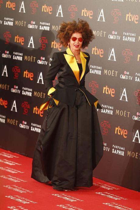 Victoria Abril de Jean Paul Gaultier Puesto 3 de las peor vestidas en los Goya 2016