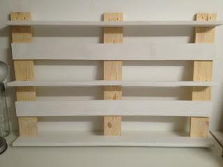 beautiful una estantera de cocina hecha de palet with estanterias de palets - Estanterias Hechas Con Palets