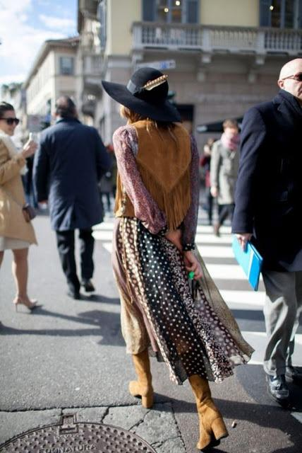 STREET STYLE; SEVENTIES INSPIRATION.-