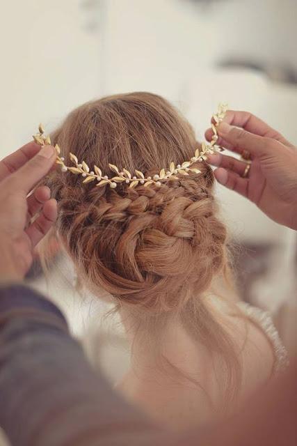 tocado dorado novia