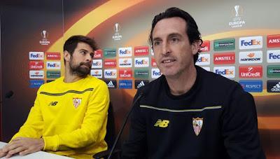 Sevilla FC vs Molde FK. El Sevilla comienza a defender el ...