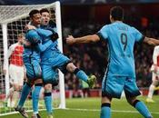 Doblete Messi Barcelona gana Emirates
