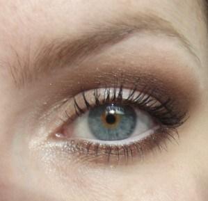 maquillaje-para-unos-ojos-mas-grandes-7